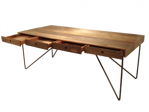 Quilombo Desk - Arthur Casas