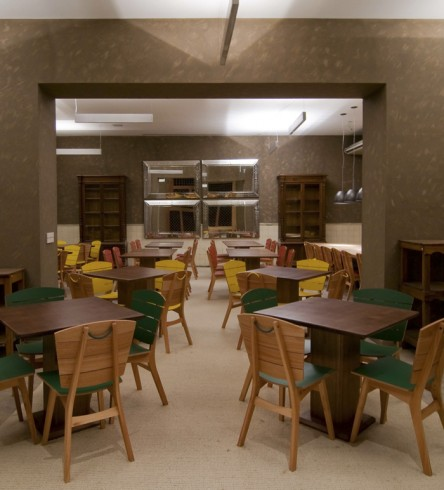 'Rio' dining chairs installation