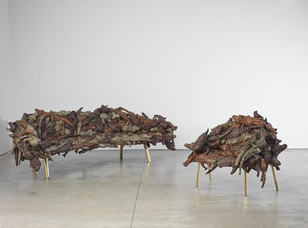 Campana_Alligator_series_Couch_and_Chair_10_sm1