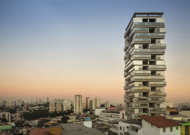 360-Building-by-Isay-Weinfeld_dezeen_ss_1