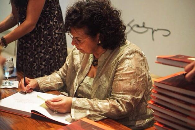 Maria Cecilia Loschaivo dos Santos
