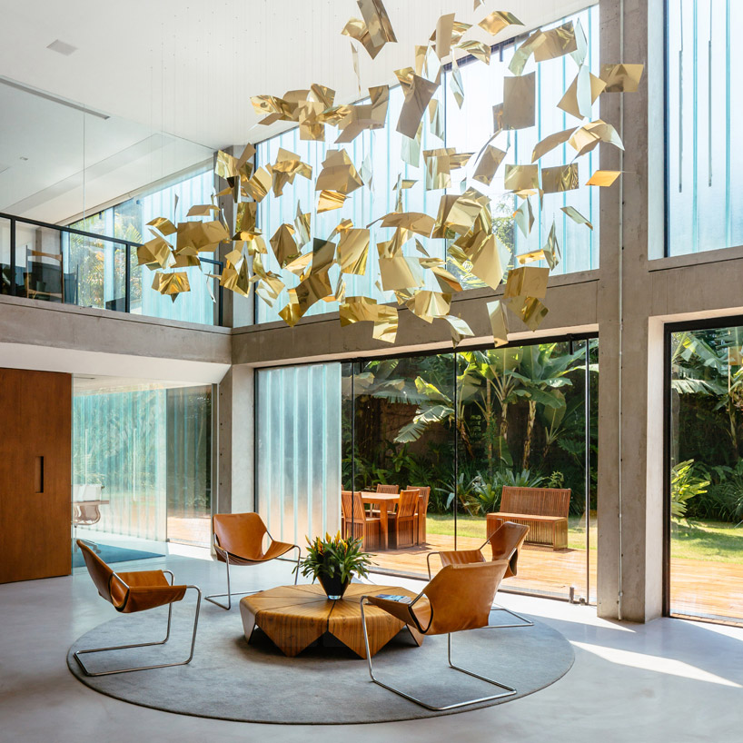 Interior designtells the history of brazilian design espasso for Table design history