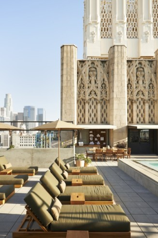 Ace-Los-Angeles-113-Upstairs-pool-area-Photo-Credit-Spencer-Lowell