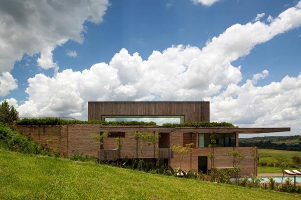 Quinta-da-Baronesa-House-by-Studio-Arthur-Casas-3-600x400