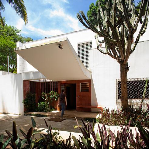 Casa da Rua Santa Cruz by Gregori Warchavchic