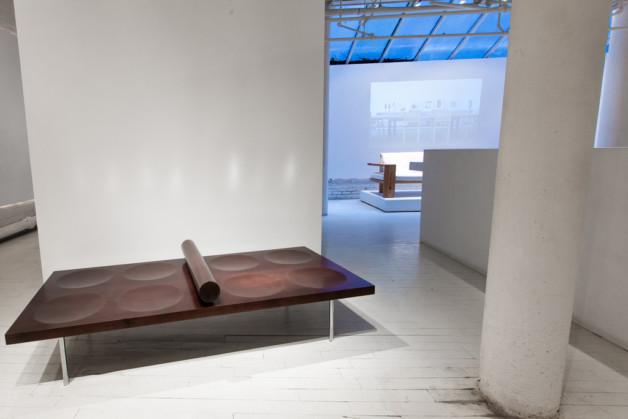 Domino bench by Claudia Moreira Salles 5