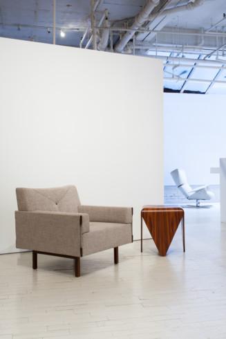 Ina armchair and petalas sidetable w Paulistana armchair detail - Jorge Zalszupin