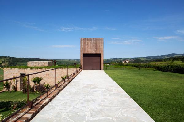 Quinta-da-Baronesa-House-by-Studio-Arthur-Casas-4-600x400